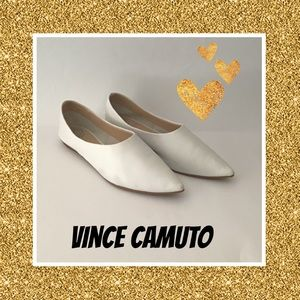 VINCE CAMUTO▪️White Flat Pointy Toe Shoes